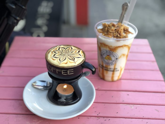 Cà phê trung và cà phê cốt dừa
